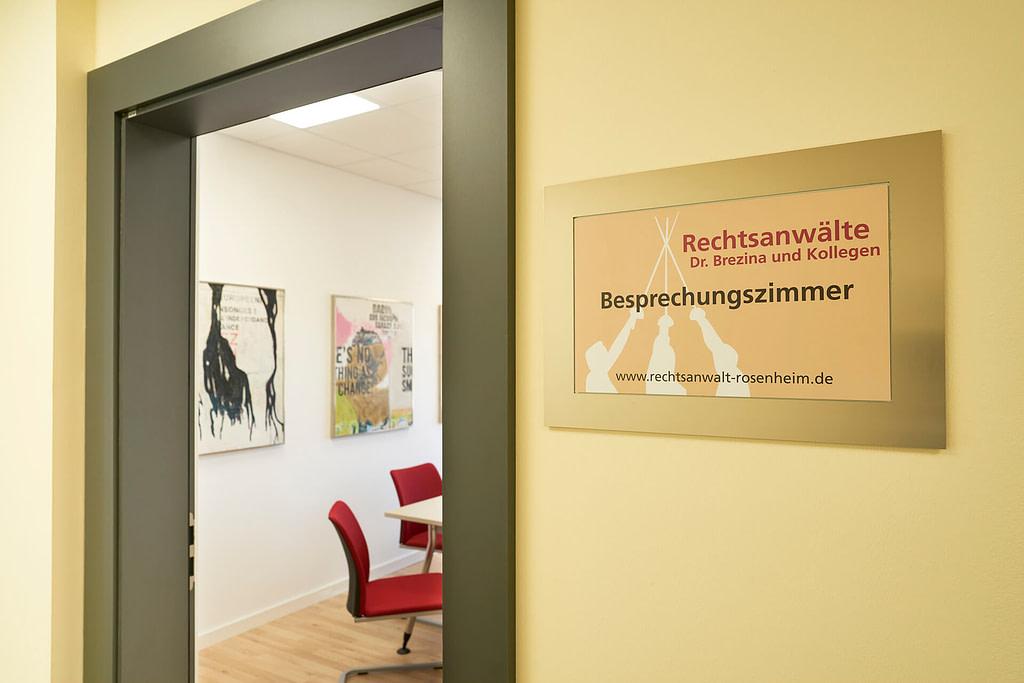 Unsere Anwaltskanzlei in Rosenheim - Eingang Besprechungszimmer
